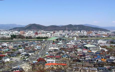 福島市の信夫山